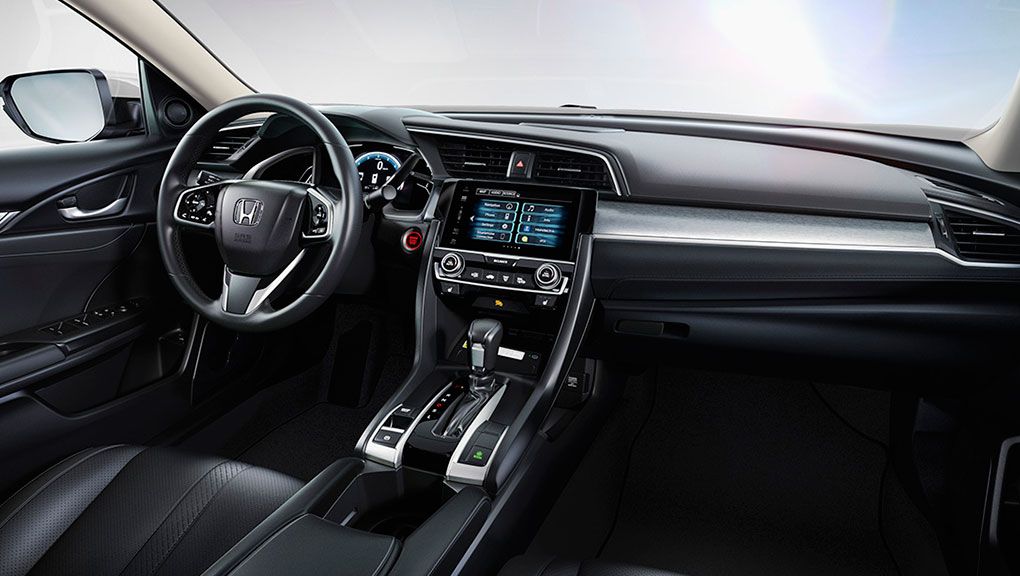 MY16_Civic_Sedan_interior_07a