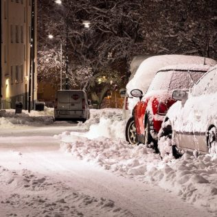 Be Prepared! 10 Essential Things To Keep in Your Car in Canada